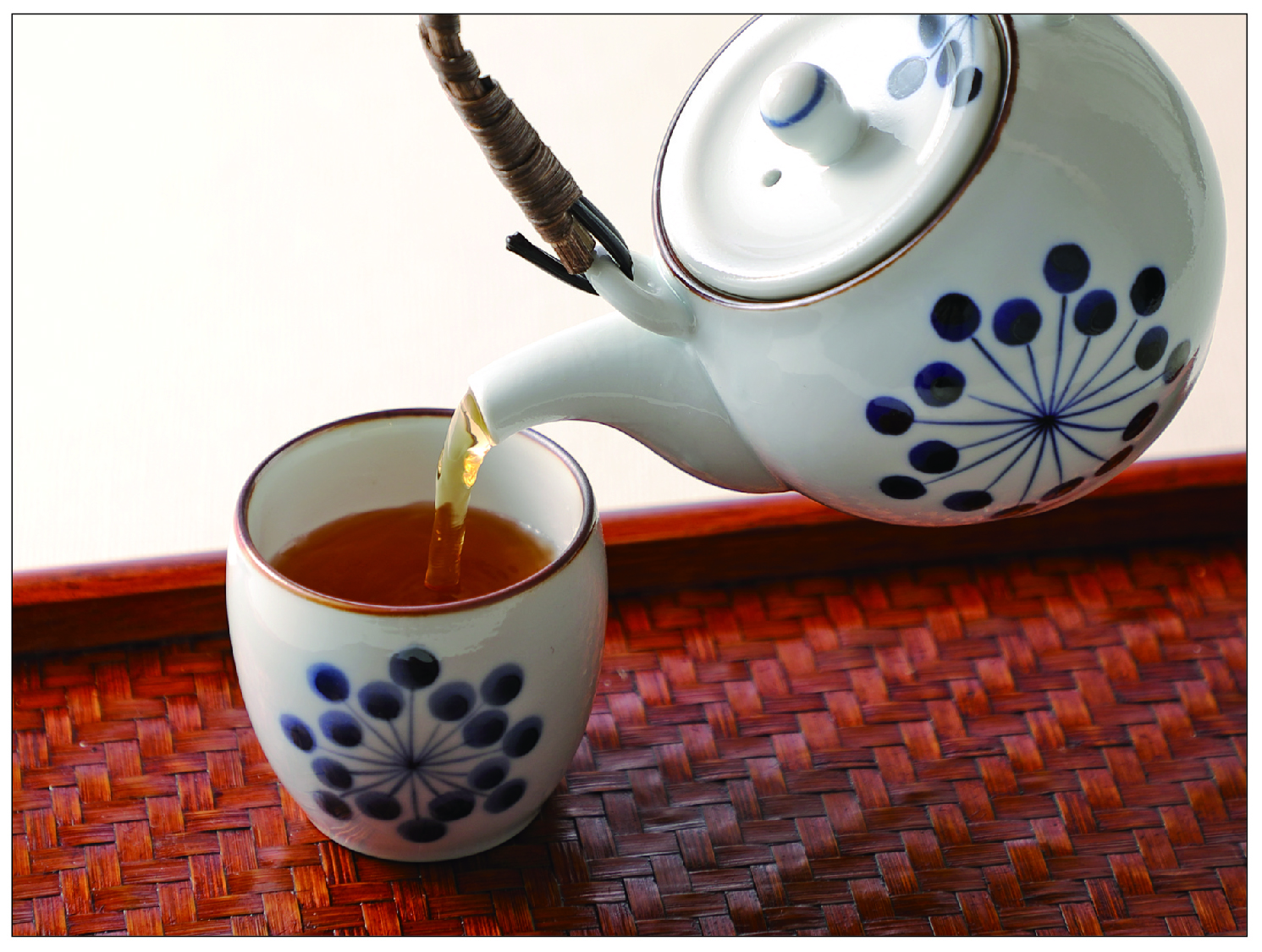 ほうじ茶を淹れる写真