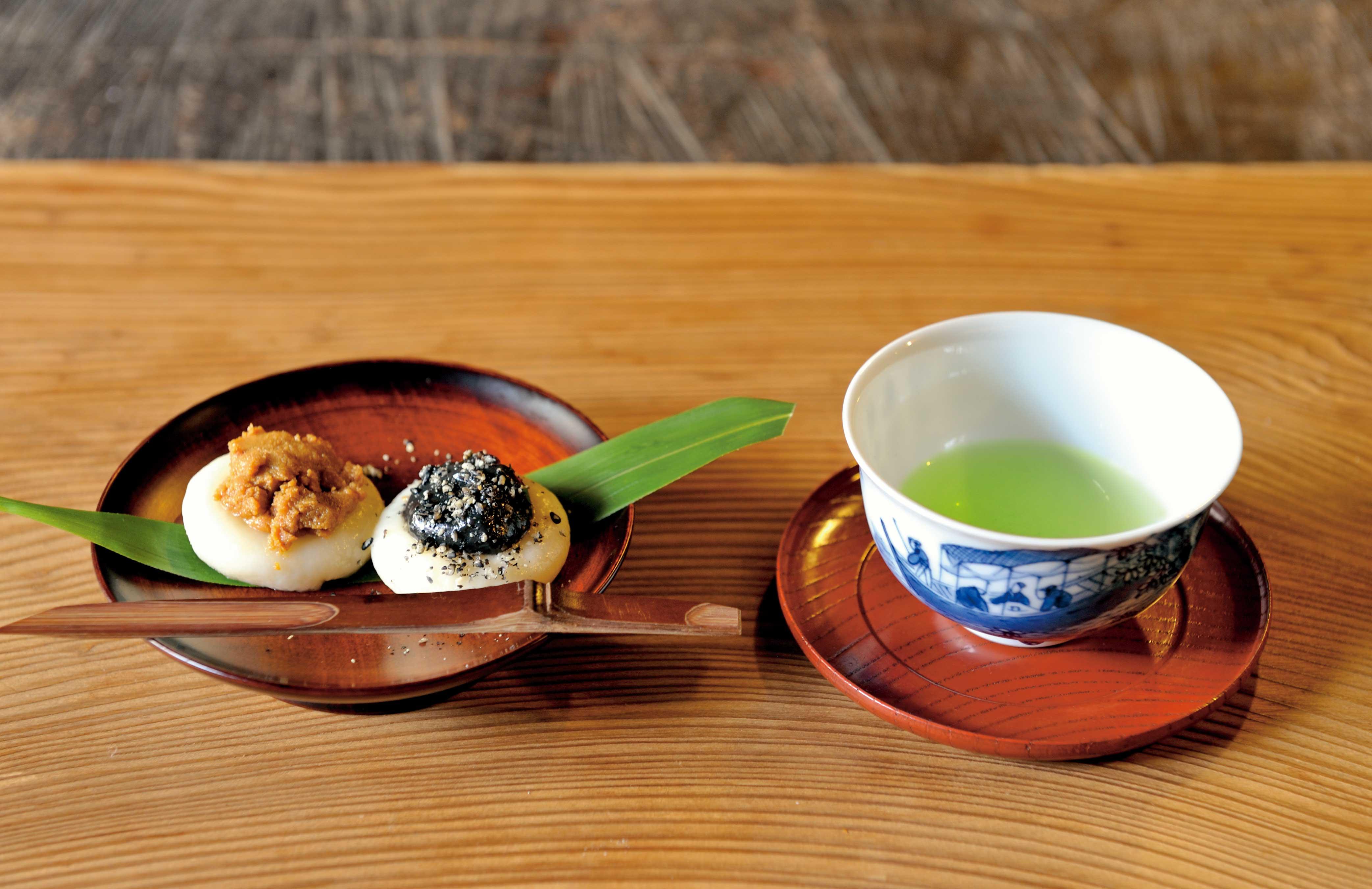 煎茶と小菓子