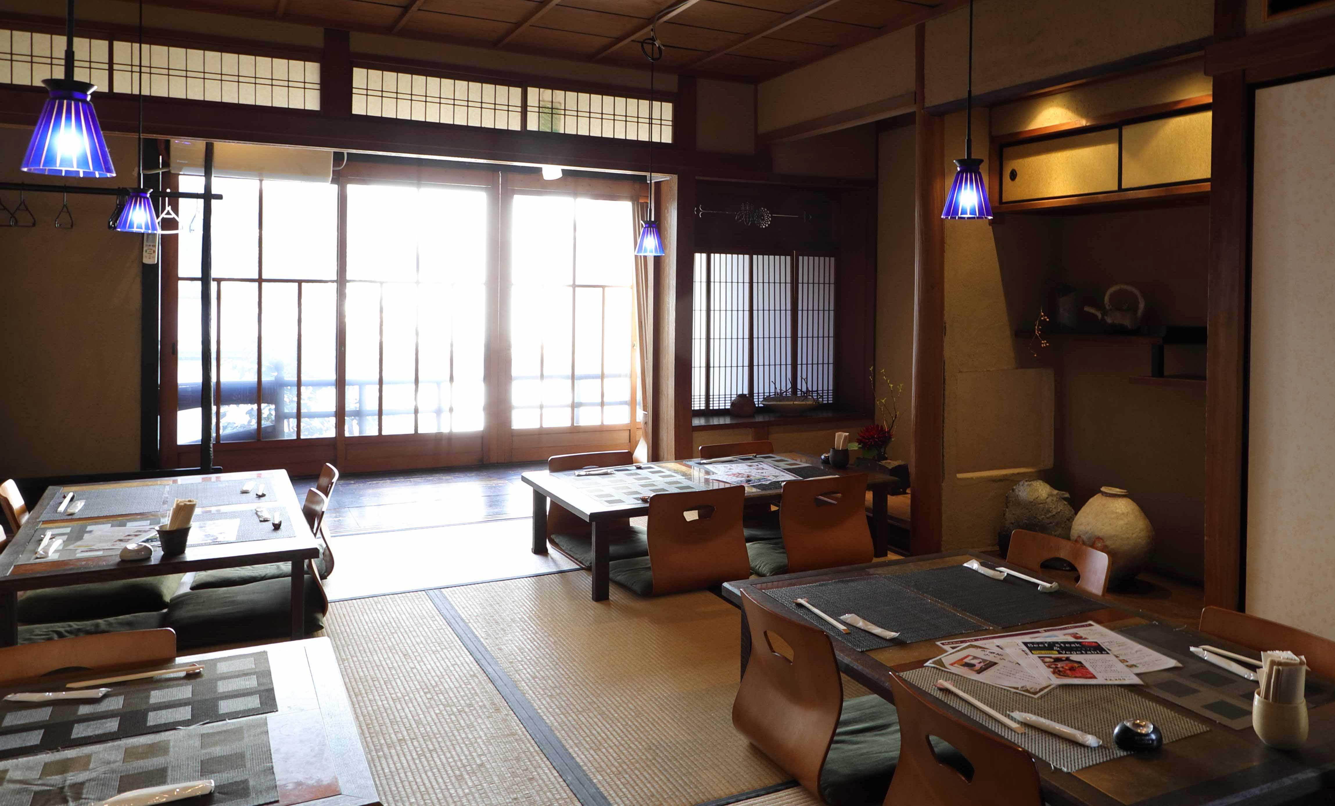 omo cafê(オモカフェ)の2階