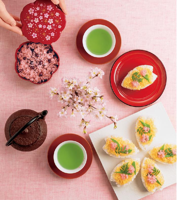 お花見ごはんを桜型