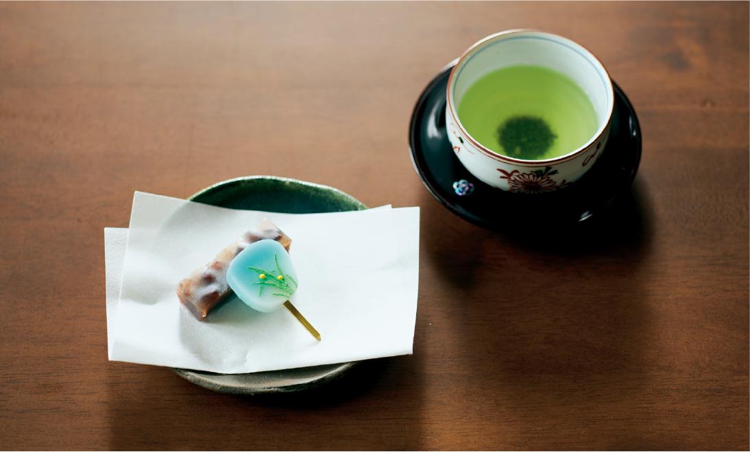 「紫野源水」のお菓子とお茶